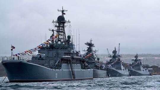 روسيا تحرك أسطول البحر الأسود بالكامل