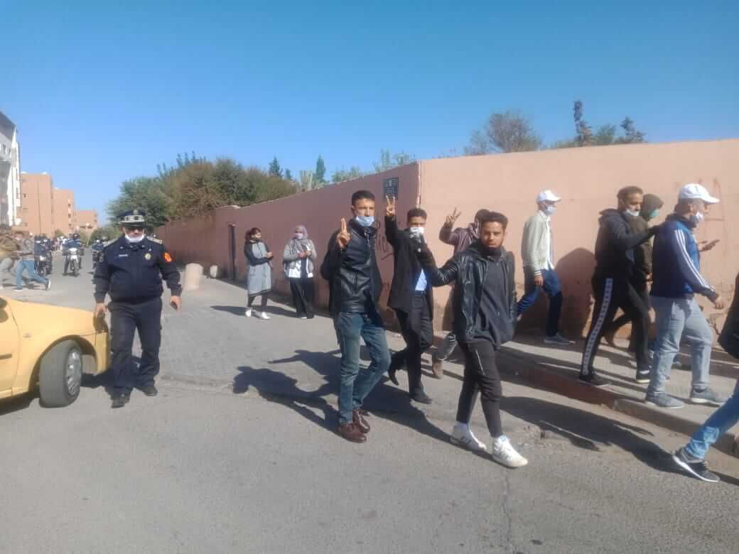 مراكش..الأمن يجبر الاساتذة المتعاقدين على تغير خططهم الاحتجاجية