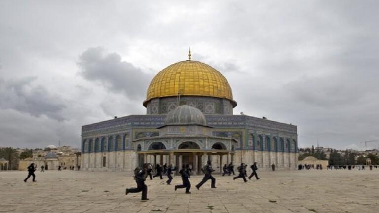 الإحتلال الإسرائيلي يمنع ترميم قبة الصخرة ويهدد باعتقال العاملين