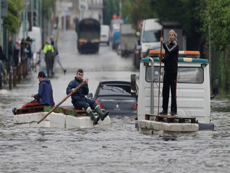 فيضانات عارمة في جنوب غرب فرنسا وباريس في حالة تأهب