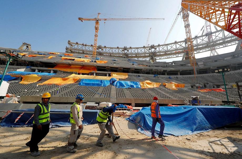 مطالب بالتحقيق في وفاة أكثر من 6500 عامل في أوراش بناء ملاعب مونديال قطر
