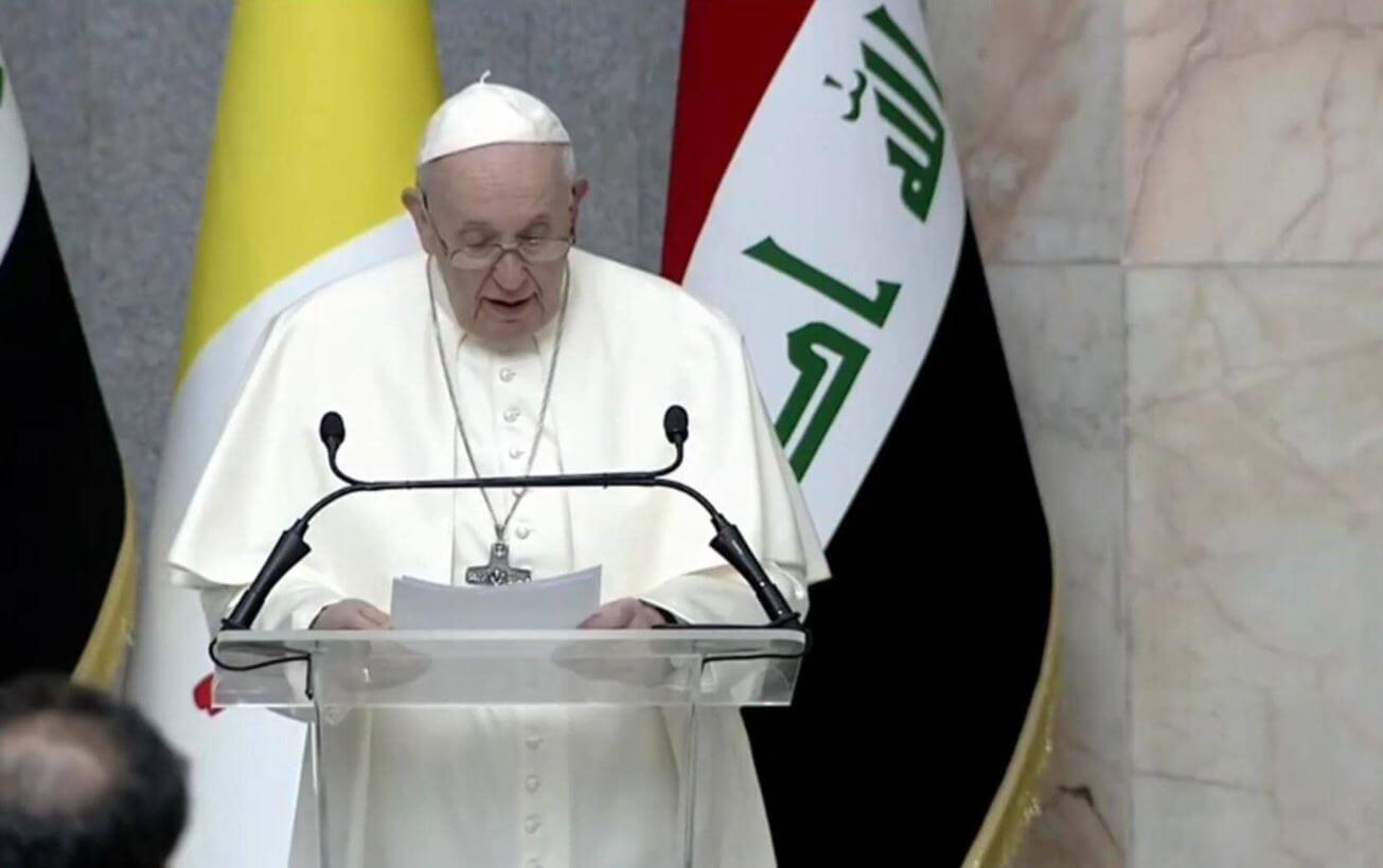 العراق..بابا الفاتيكان يطالب المجتمع الدولي  بتعزيز السلام