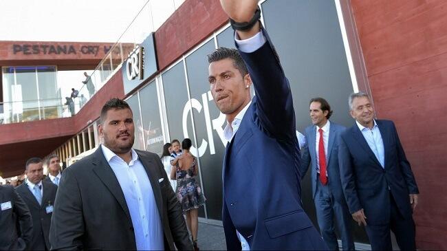 الدون رونالدو يستعد لافتتاح فندقه الجديد بمراكش