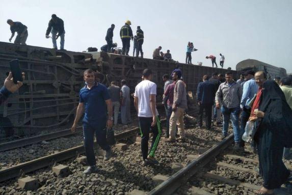 ارتفاع عدد ضحايا خروج قطار عن القضبان شمال القاهرة بمصر
