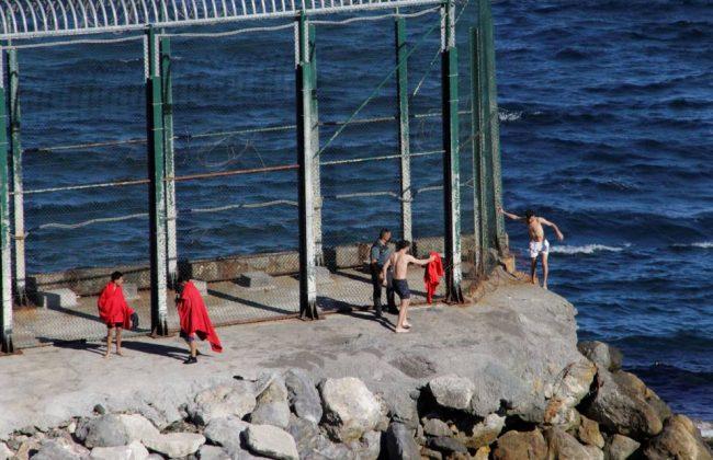 إختفاء قاصرين مغاربة منذ دخولهم إلى سبتة المحتلة