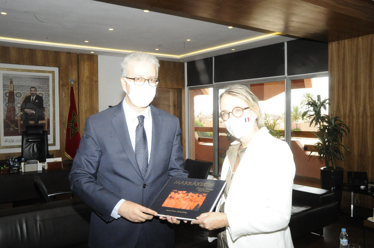 والي جهة مراكش يستقبل سفيرة فرنسا بالمغرب + صور