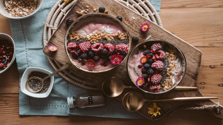 الكشف عن أفضل أفكار الإفطار لزيادة الطاقة وخفض السكر في الدم