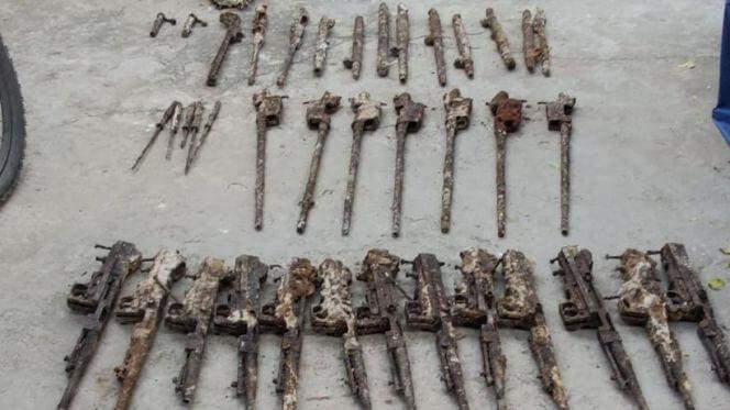 """بالصور.. العثور على أسلحة داخل ثانوية """"ليوطي"""" بالدارالبيضاء"""