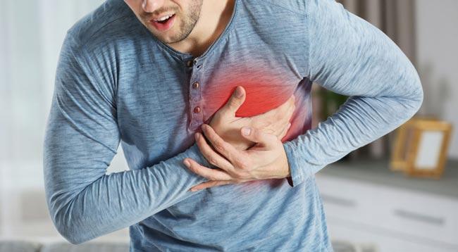 """""""علامة"""" لا تهملها.. جرس إنذار قبل حدوث نوبة قلبية"""