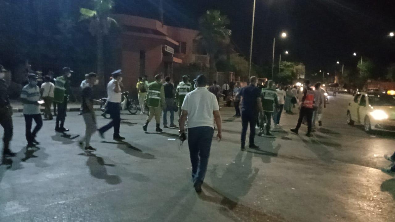 عاجل.. السلطات تتدخل وتُفرّق جموع المحتشدين بمحطة الطاكسيات بعرصة المعاش