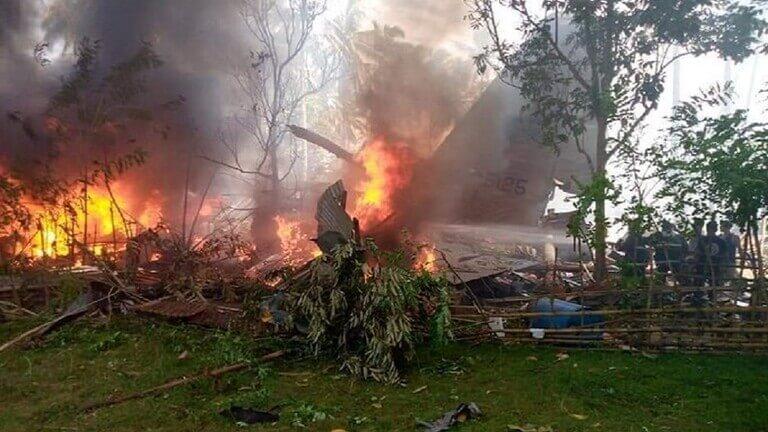 ارتفاع حصيلة ضحايا تحطم طائرة عسكرية في الفلبين إلى 50 قتيلا