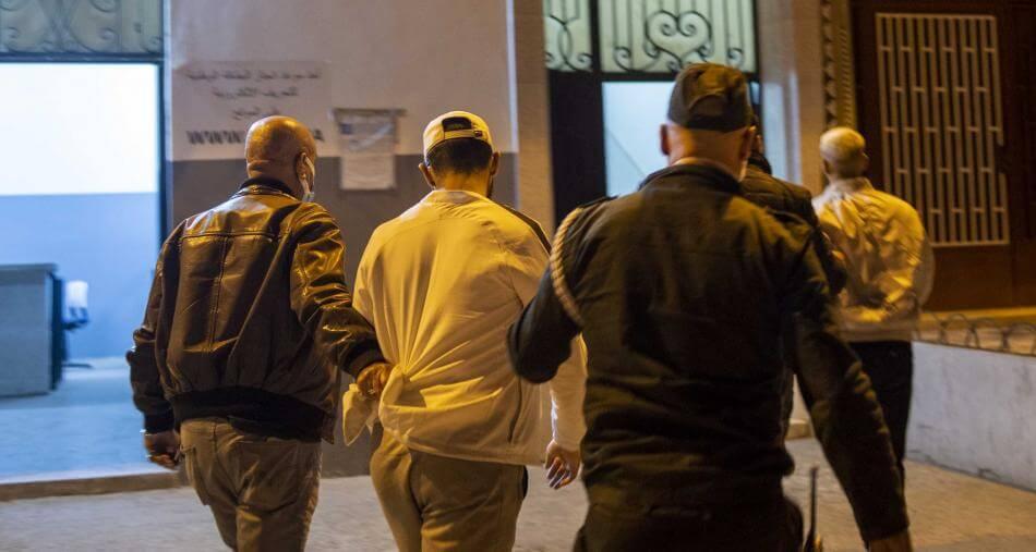 سرقة محفظة نقود يدوية تقود لاعتقال عنصرين من القوات المساعدة